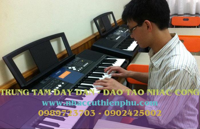 dạy đàn organ quận 12